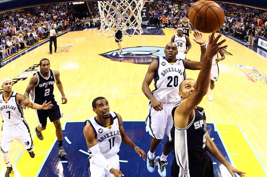 Memphis is being picked apart by the Spurs' pick-and-roll 43841