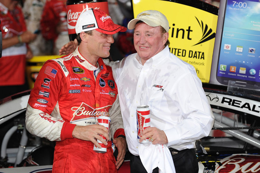 Harvick fittingly wins bizarre Coca-Cola 600; NASCAR made correct call 43856