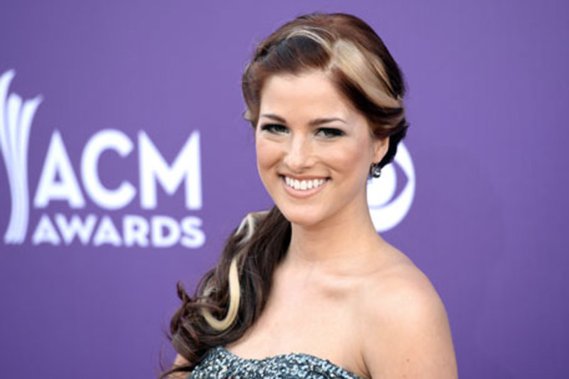 Cassadee Pope Preps Return to 'The Voice' 44260