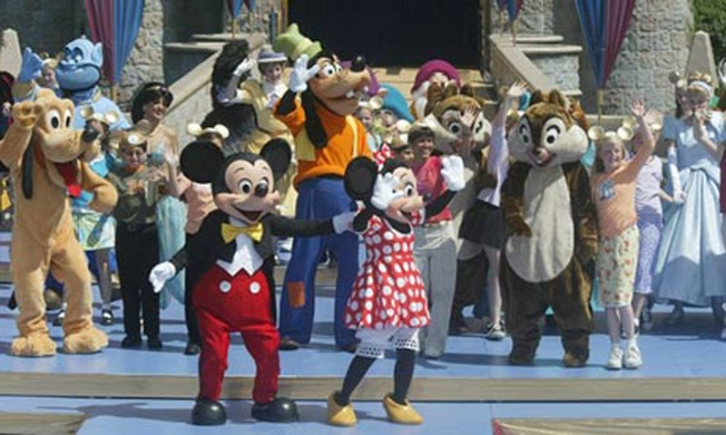 US crime  Disneyland employee arrested over dry ice explosion in Toontown 44274