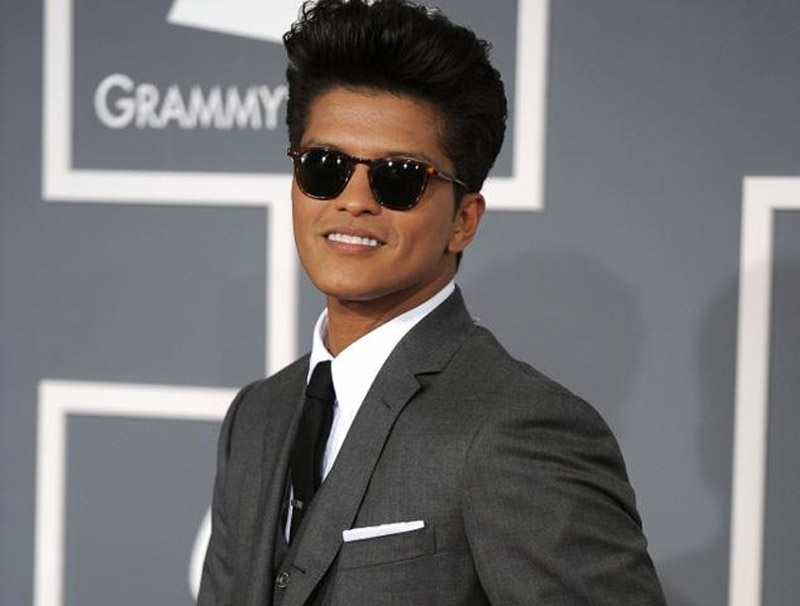 Bruno Mars' mother Bernadette Hernandez dies of brain aneurysm at age 55 44364