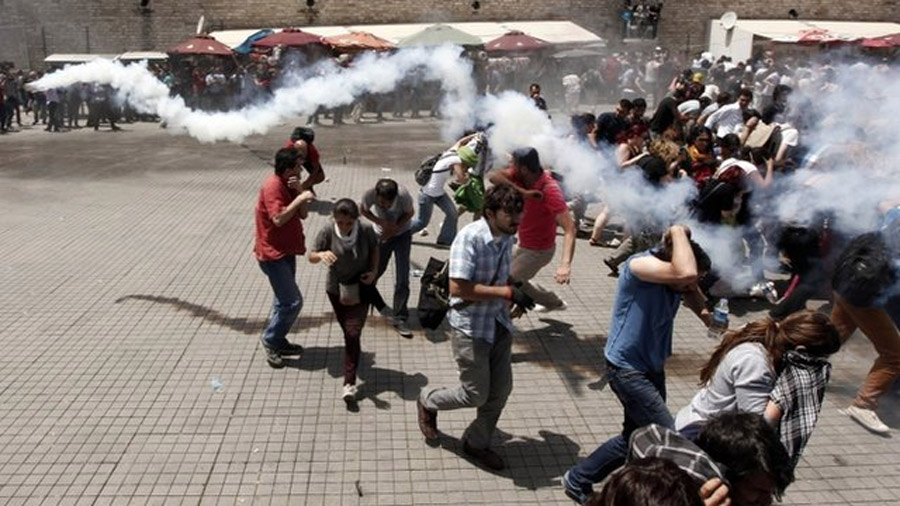 Unrest rages in Istanbul and Ankara 44387