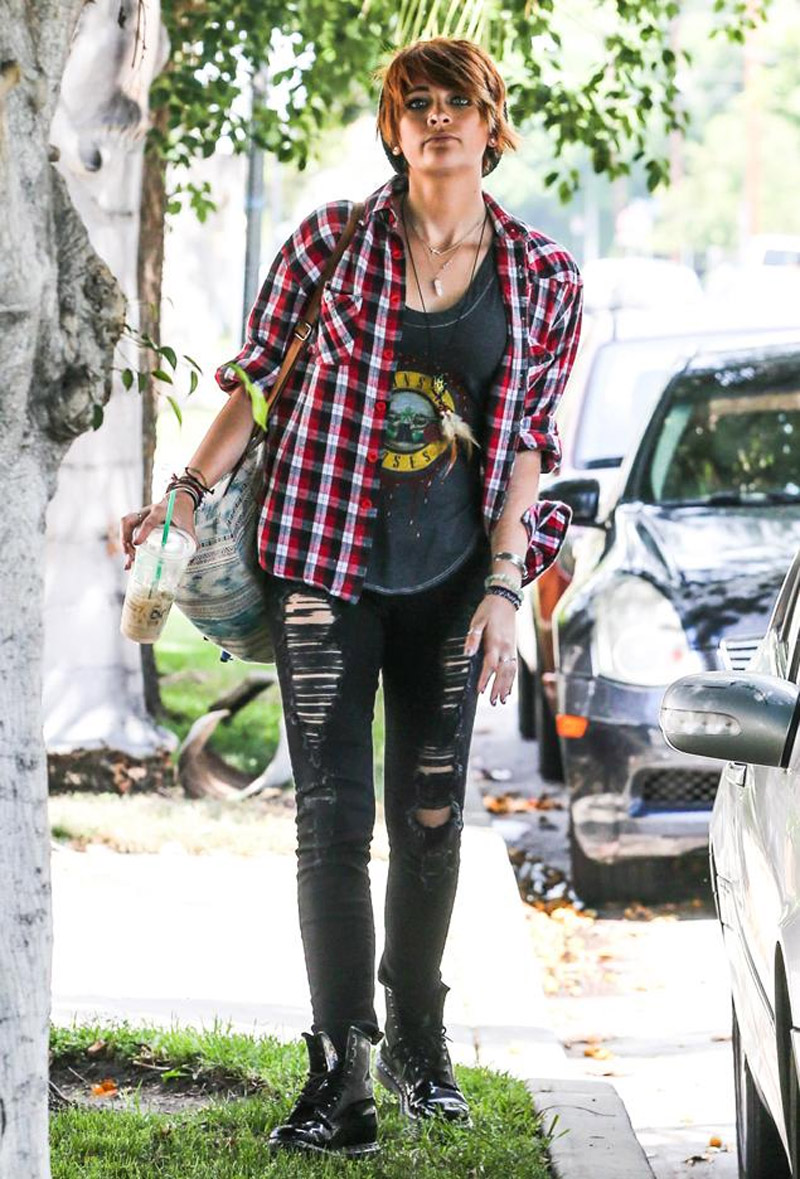 Paris Jackson taken to hospital after slitting wrists in suicide attempt 44389
