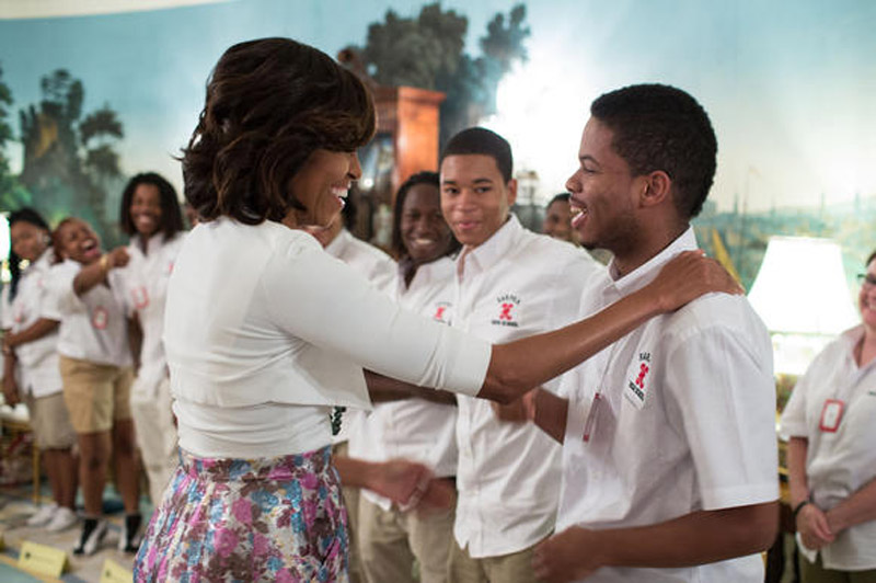 Harper H.S. students meet Michelle Obama 44415