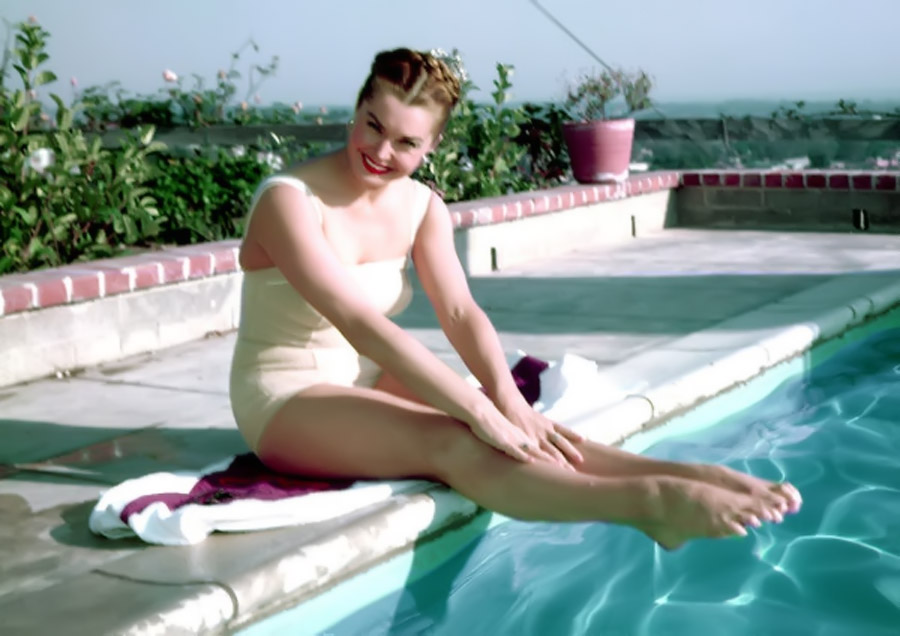 Esther Williams, Swimming Champion Who Became a Movie Star, Dies at 91 44455