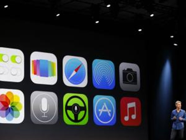 Apple unveils iOS 7 44470