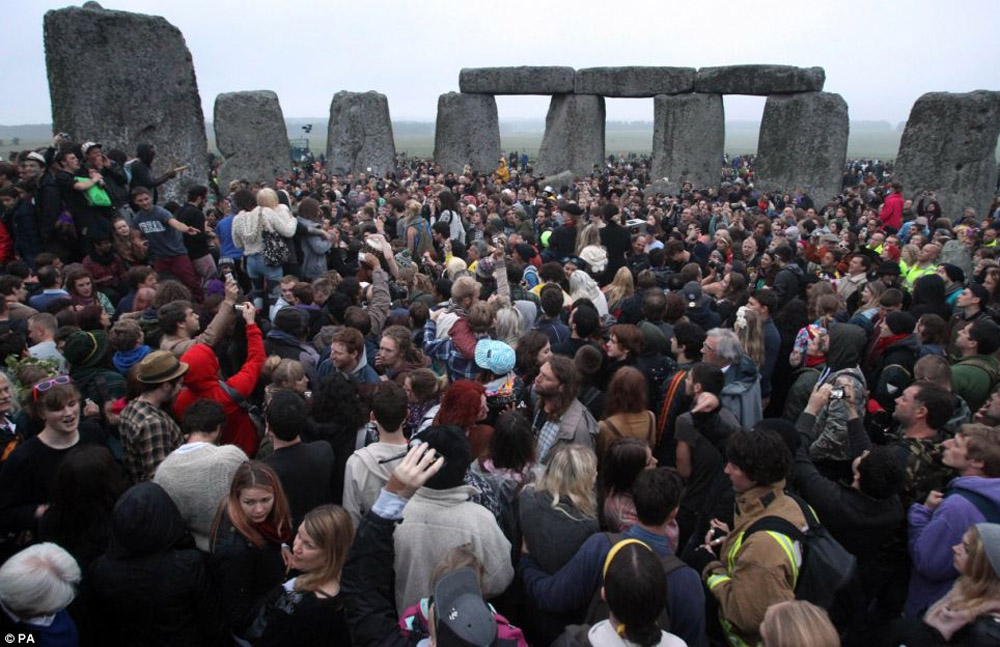 The solstice is a rare chance for members of the public to walk among the ancient Wiltshire stone circle 44572