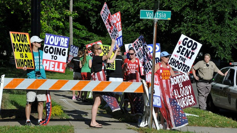 Supreme Court to consider letting protesters near abortion clinics 44619