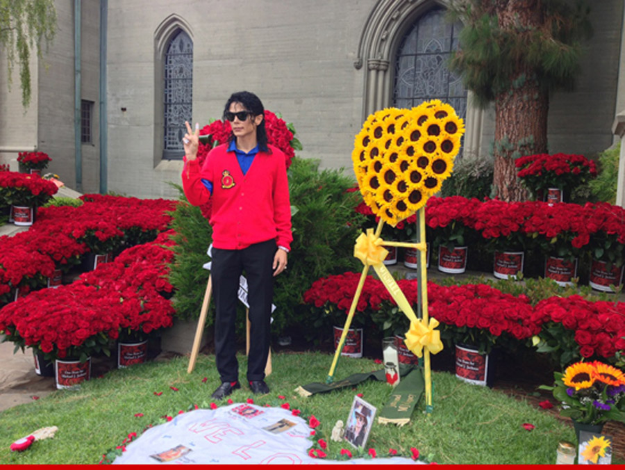 Michael Jackson's Grave FLOWERS EVERYWHERE On Death Anniversary 44633