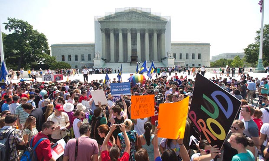 Obama applauds Supreme Court's Doma and Prop 8 rulings – as it happened 44676