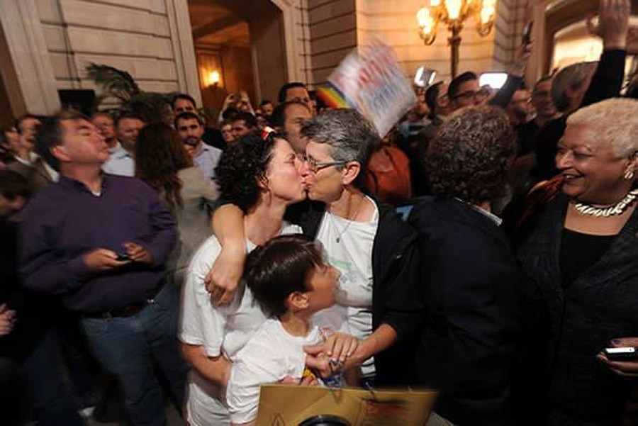Supreme Court strikes down DOMA; rules it interferes with states, 'dignity' of same-sex marriages 44677