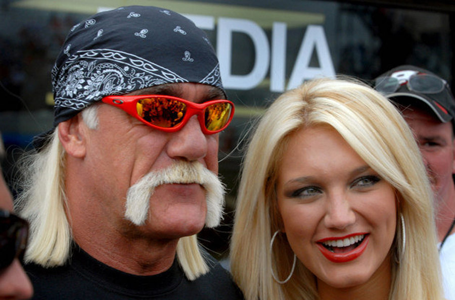 Cowboys center Phil Costa gets engaged to Hulk Hogan's daughter Brooke 44813