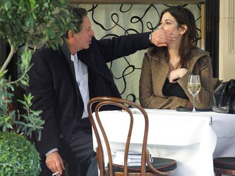 Charles Saatchi uses newspaper to tell Nigella Lawson, 'It's over' 44984