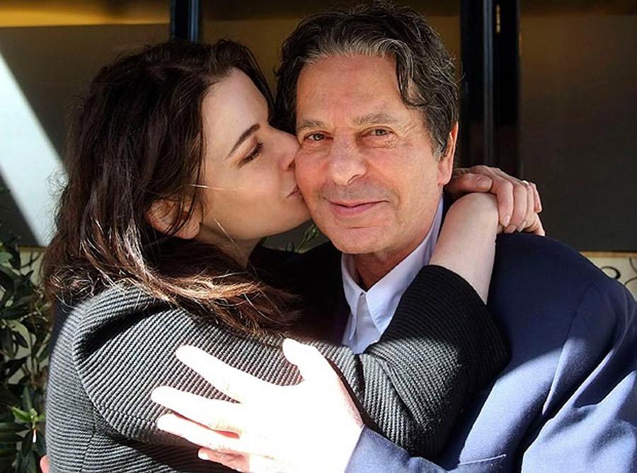 Nigella Lawson is holed up sobbing, she'd set heart on making it work 44986