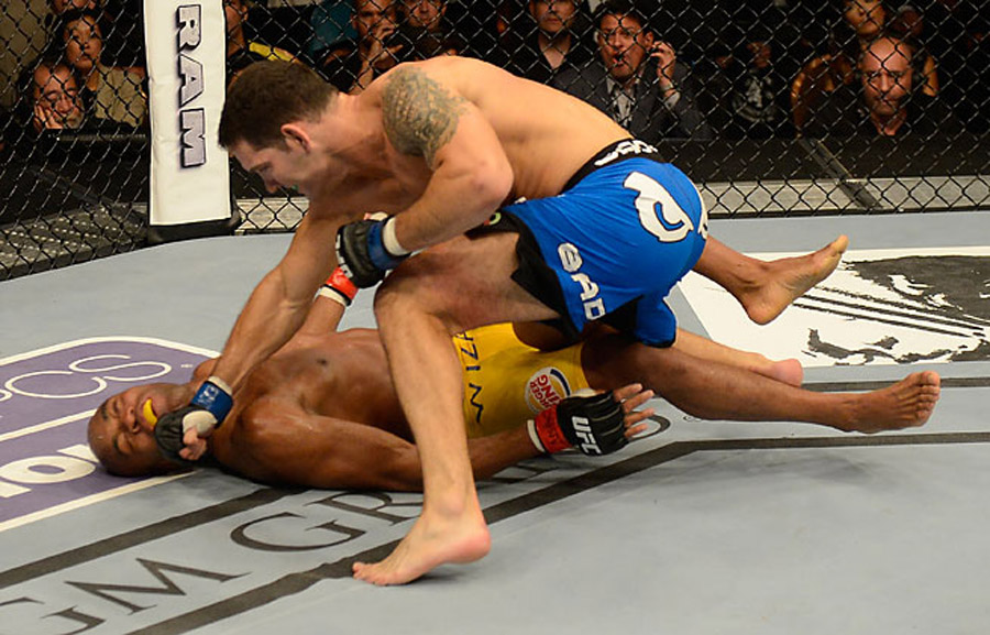 Close calls catch up with Silva in stunning loss to Weidman at UFC 162 45003