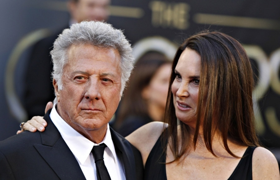 Dustin Hoffman Breaks Down During 'Tootsie' Interview, Cries at Unfair Female Standards of Beauty 45039