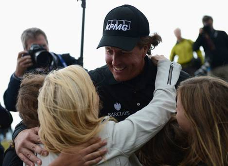 Phil Mickelson claims Scottish Open title after playoff 45196