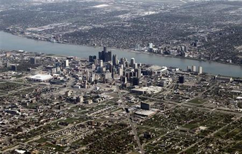 Detroit files for bankruptcy, stage set for court fight 45301
