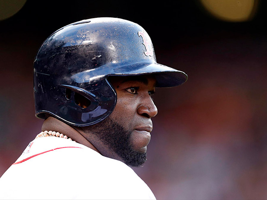 David Ortiz obliterated a dugout phone with his bat 45467