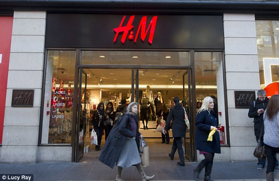 H&M launches online shopping in the U.S. 45642