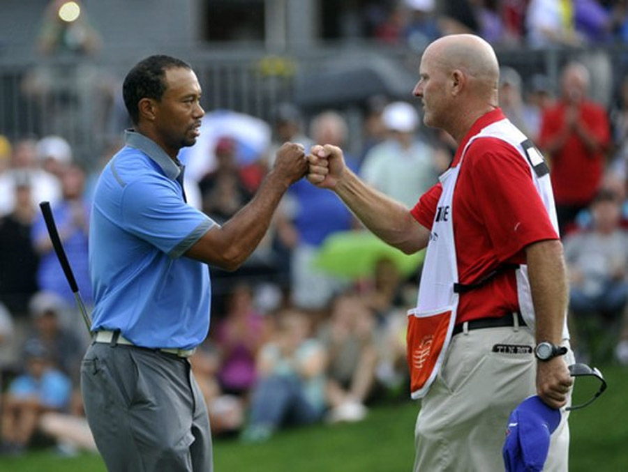 Tiger Woods flirts with 59, still posts 61 to take seven shot lead at Firestone 45692