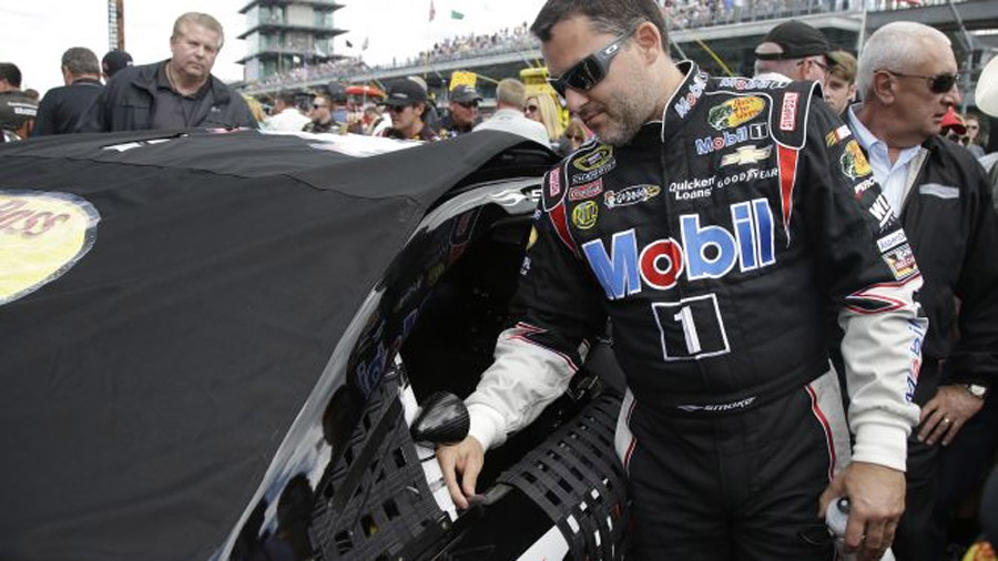 Tony Stewart breaks leg in sprint car crash 45809
