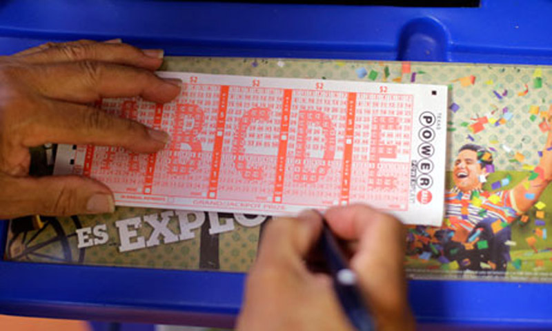 Three tickets sold for $448m Powerball jackpot in New Jersey and Minnesota 45829