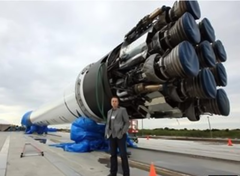 Elon Musk to outline 'Hyperloop' ideas 45911