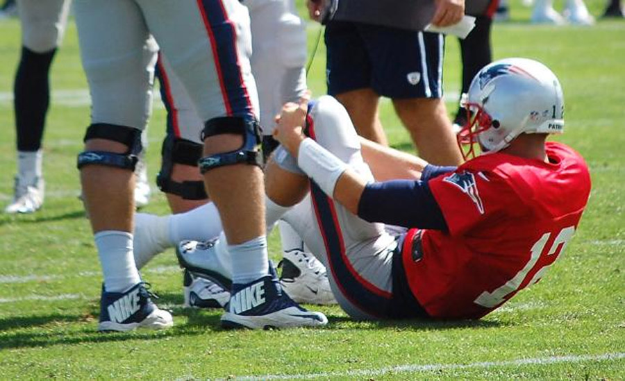 MRI negative for Tom Brady after knee injury scare at Patriots practice 45993