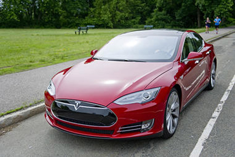 Does record safety rating mean electric cars are safer? 46167