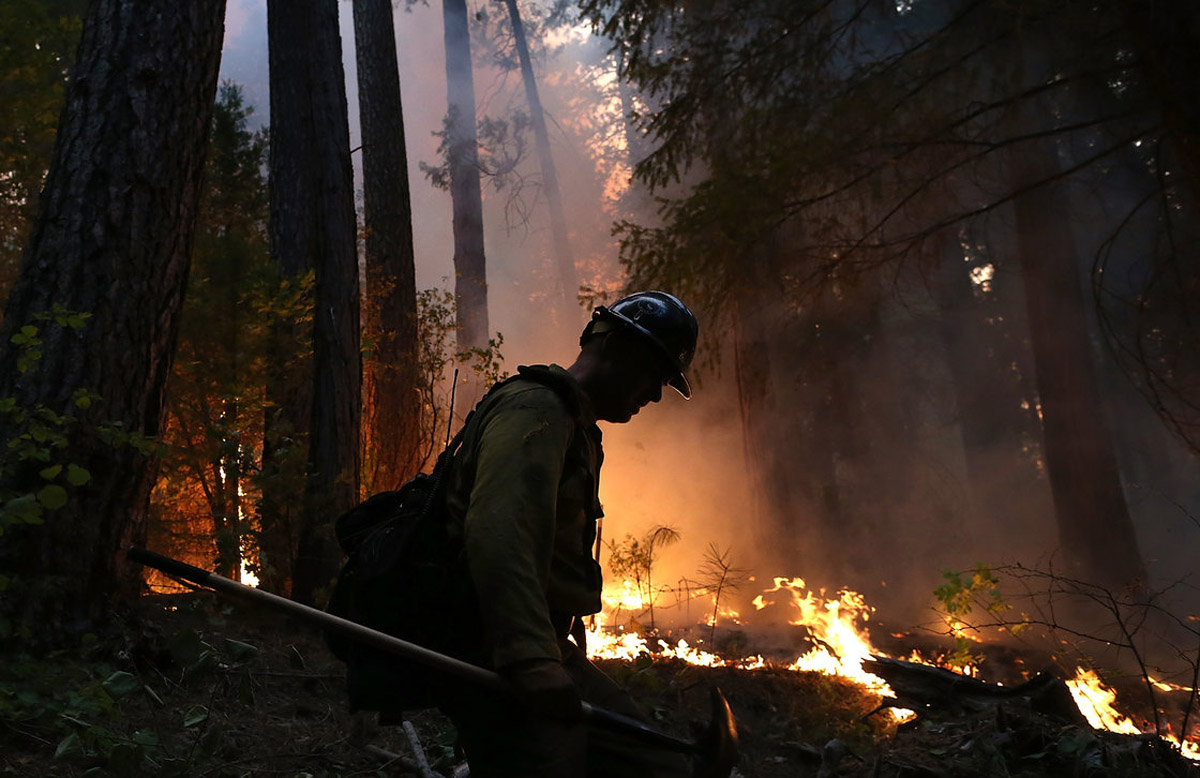 Calif. Wildfire Nearly Doubles In Size, Burns Into Yosemite Park 46241