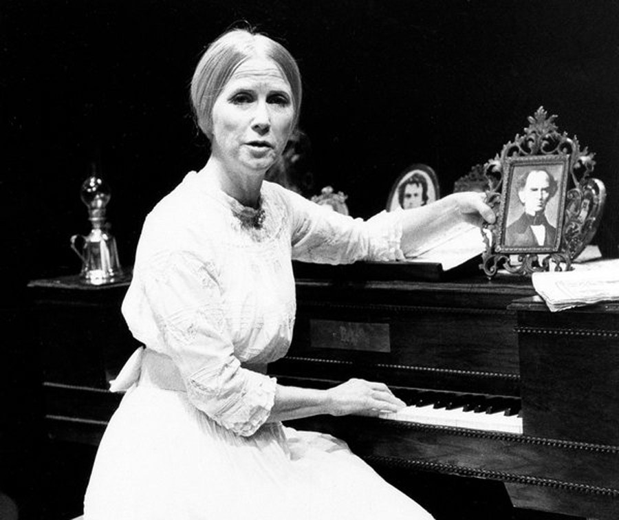 Julie Harris, Celebrated Actress of Range and Intensity, Dies at 87 46273