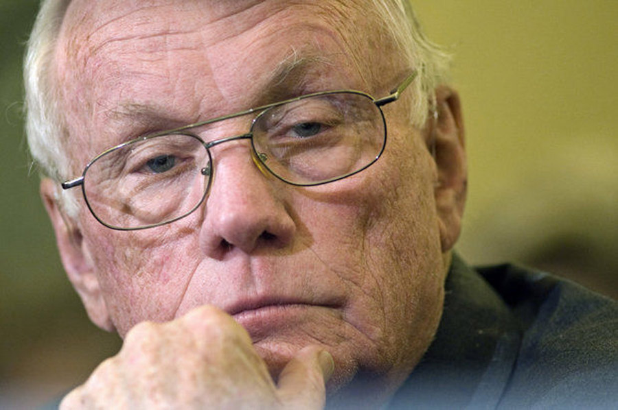 Neil Armstrong died a year ago, but his death is saddening Twitter users again today 46367