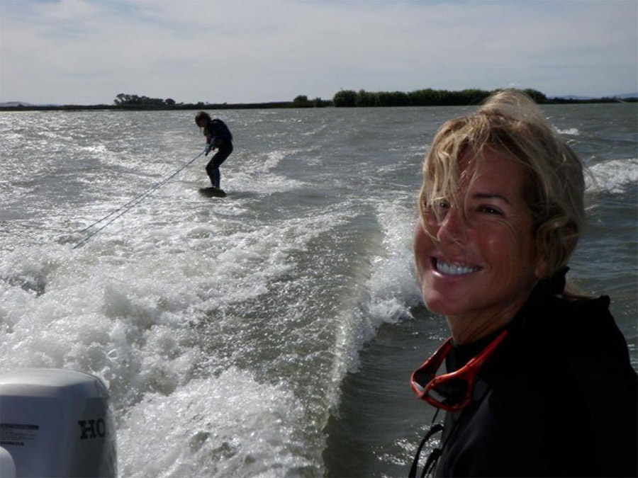 Amazon's First CFO and Internet Pioneer Joy Covey Dies in Bike Accident 46556