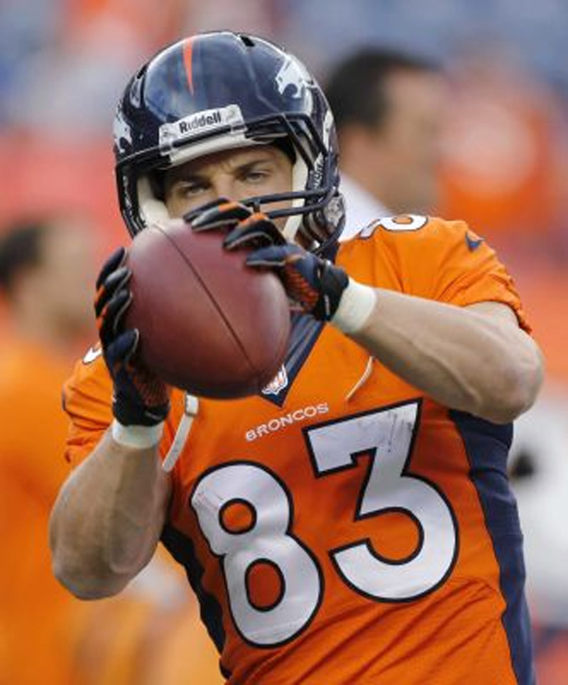 Giants cornerback Terrell Thomas gets to test knee against Broncos' Wes Welker 46779