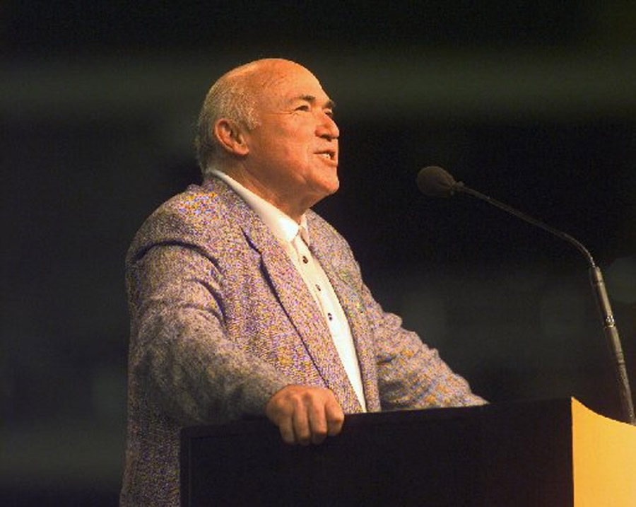 Chuck Smith, mentor to Greg Laurie and others, dies 47102
