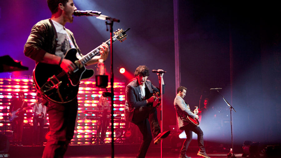 Jonas Brothers Cancel Tour Citing 'Deep Rift' Among Bandmembers 47232