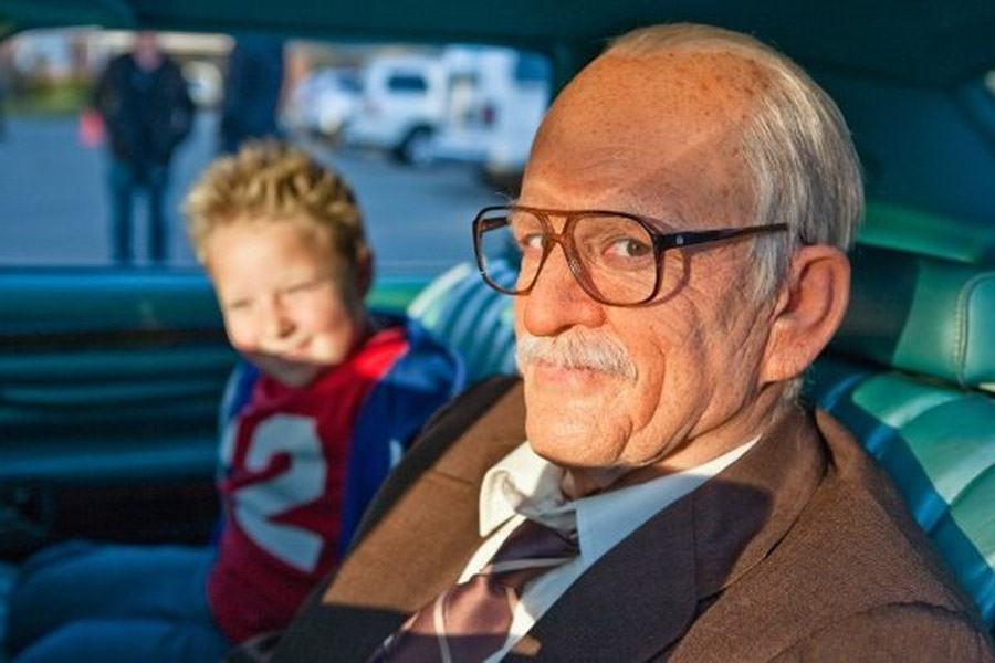 Knoxville's 'Bad Grandpa' to end box-office reign of 'Gravity' 47571