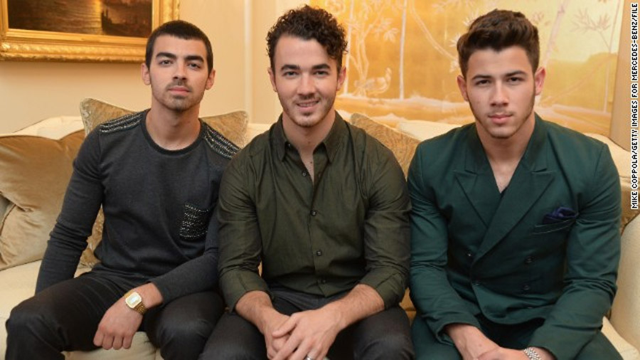 Jonas Brothers: It's over for now 47692