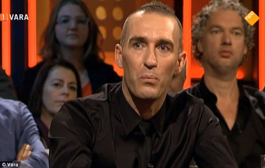 Former Rangers defender Ricksen reveals his battle against Motor Neurone Disease 47730
