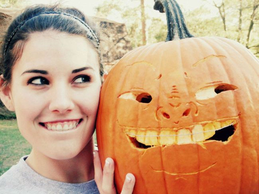 14 Halloween pumpkins that put your carving efforts to shame 47737