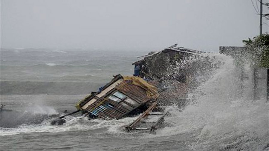 Haiyan, Strongest Cyclone of the Year, Pounds the Philippines 47929