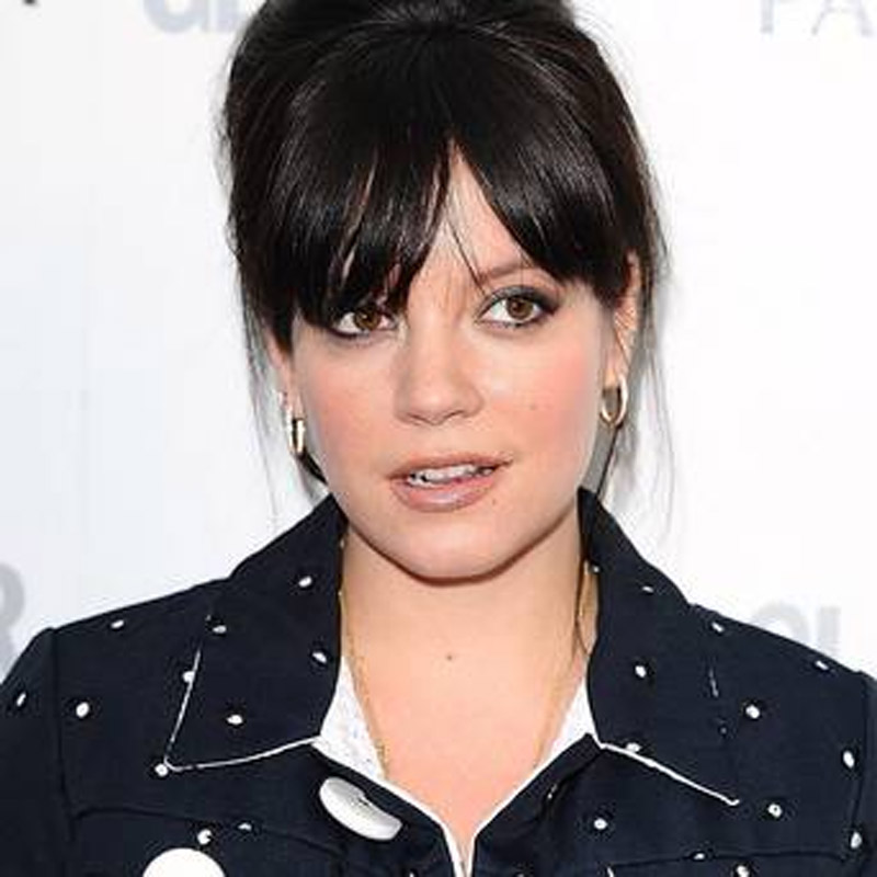 Lily Allen back in satirical video 48016