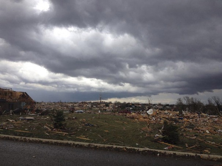 Tornadoes, high winds sweep across Midwest, flattening communities and killing 3 48070