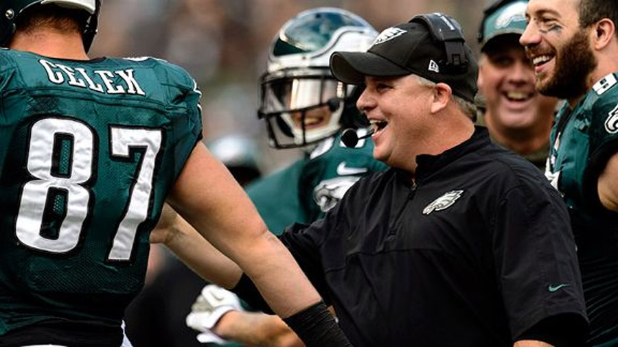 Kelly's Eagles soar to NFC East lead 48076