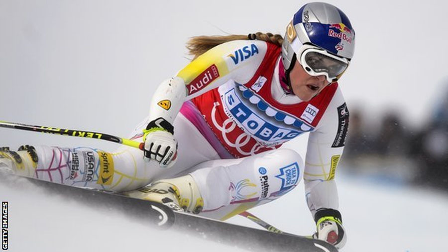 Lindsey Vonn: Olympic downhill champion injures knee in crash 48207