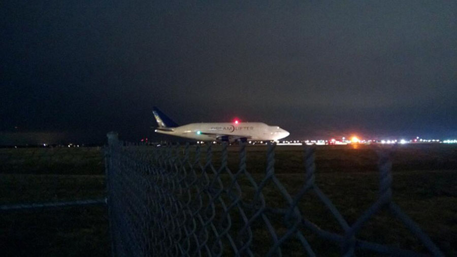 Boeing Dreamlifter stuck at Wichita airport 48229