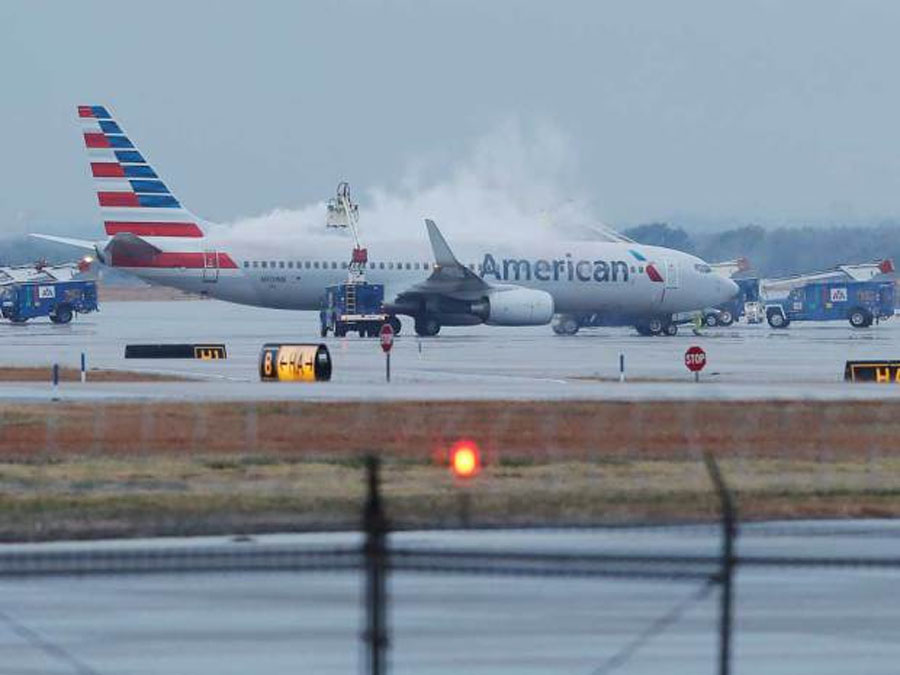 Hundreds of flights cancelled as huge winter storm threatens to cause Thanksgiving travel chaos in U.S. 48333