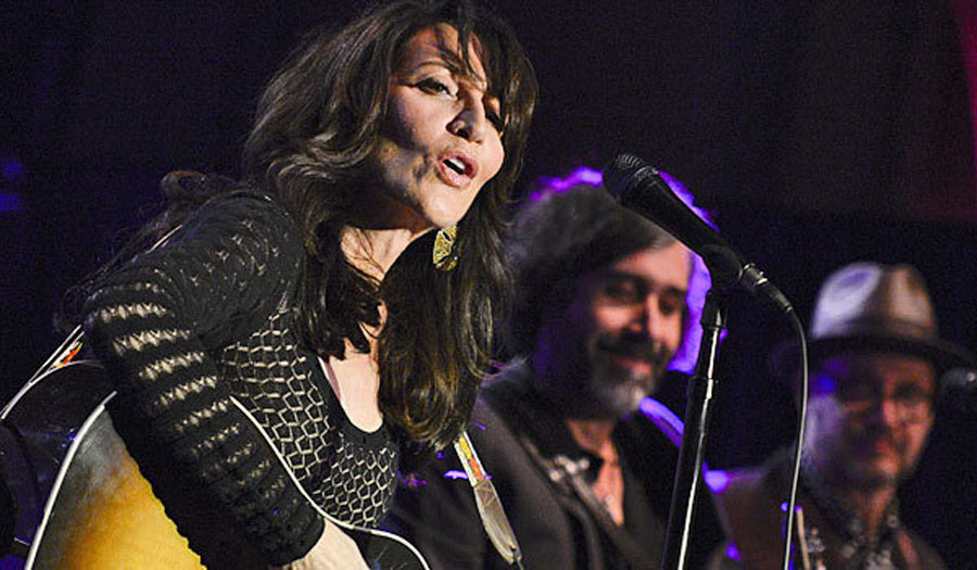 Katey Sagal, often heard singing on 'Sons of Anarchy,' records album 48383