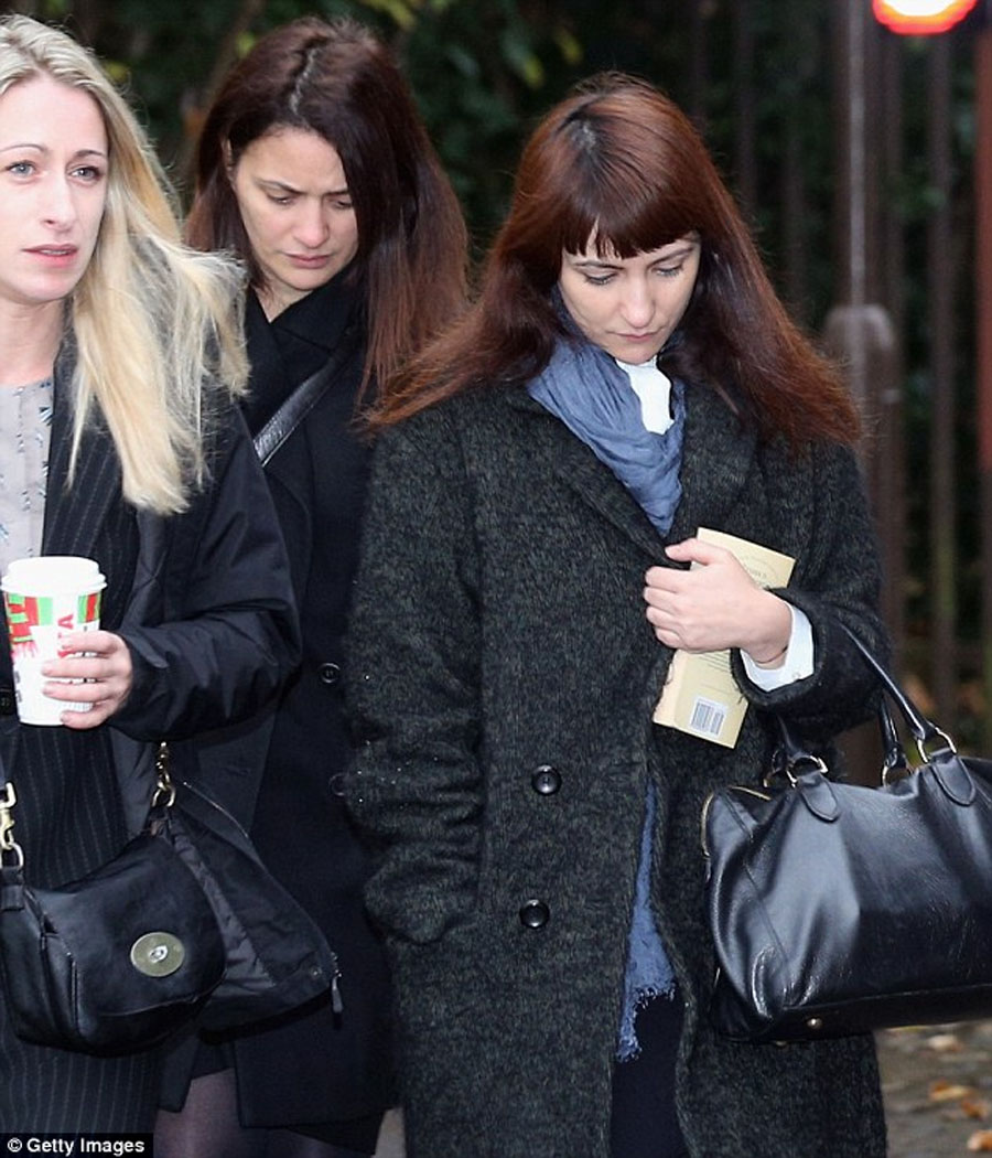 Sisters' claim that Nigella let them spend £685,000 on company credit cards because they knew about her cocaine habit is 'preposterous', jury told 48445